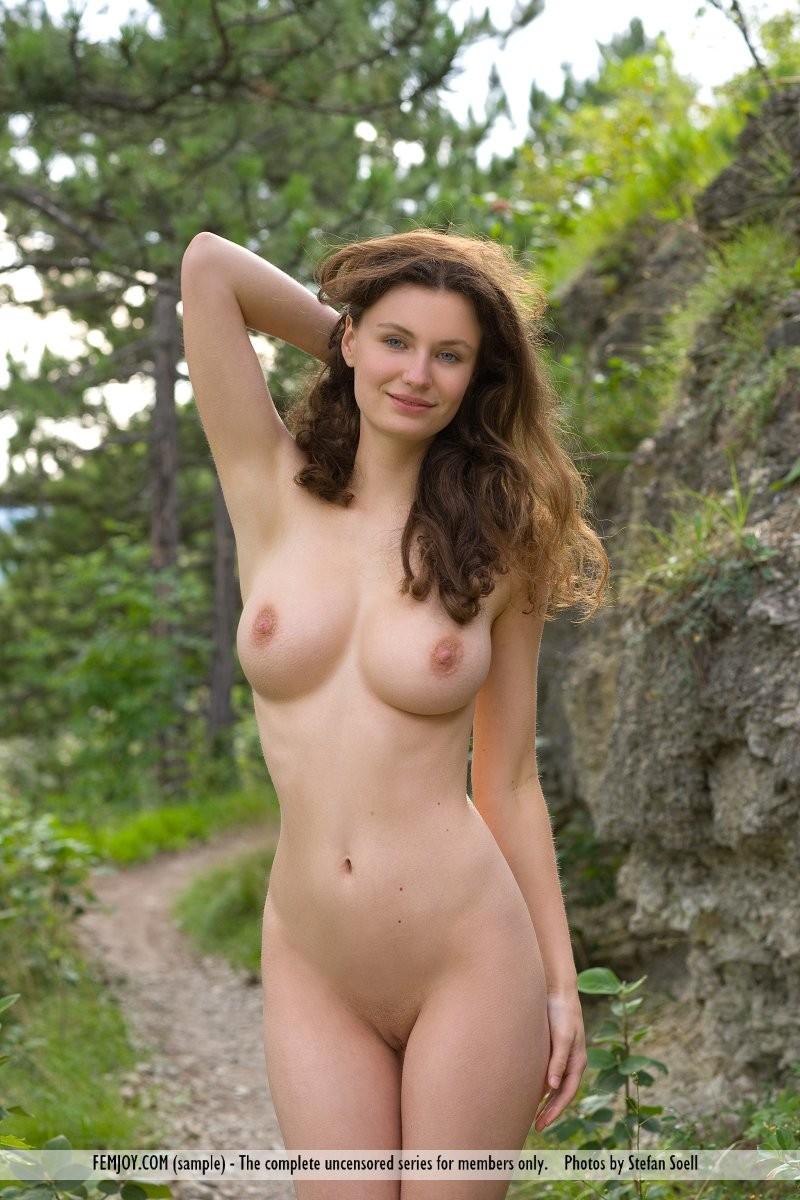 susann-woods-naked-femjoy-14