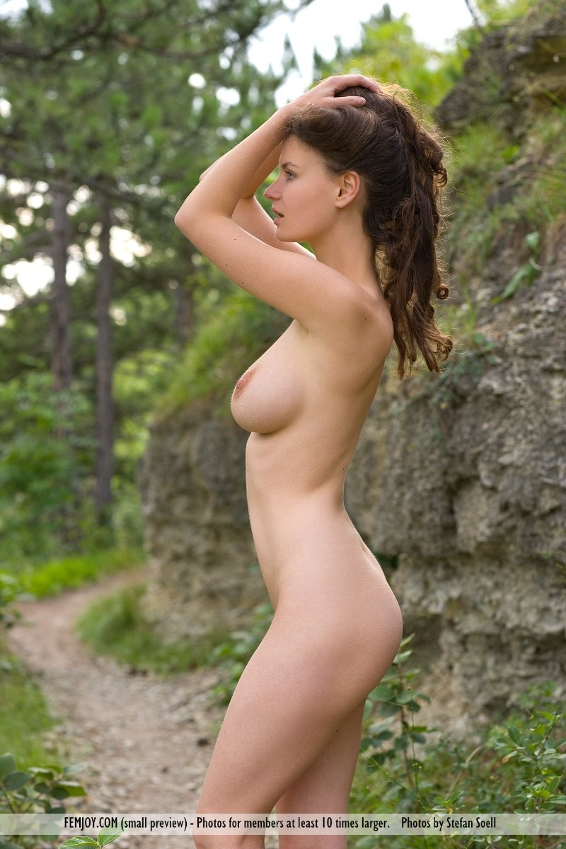 susann-woods-naked-femjoy-15