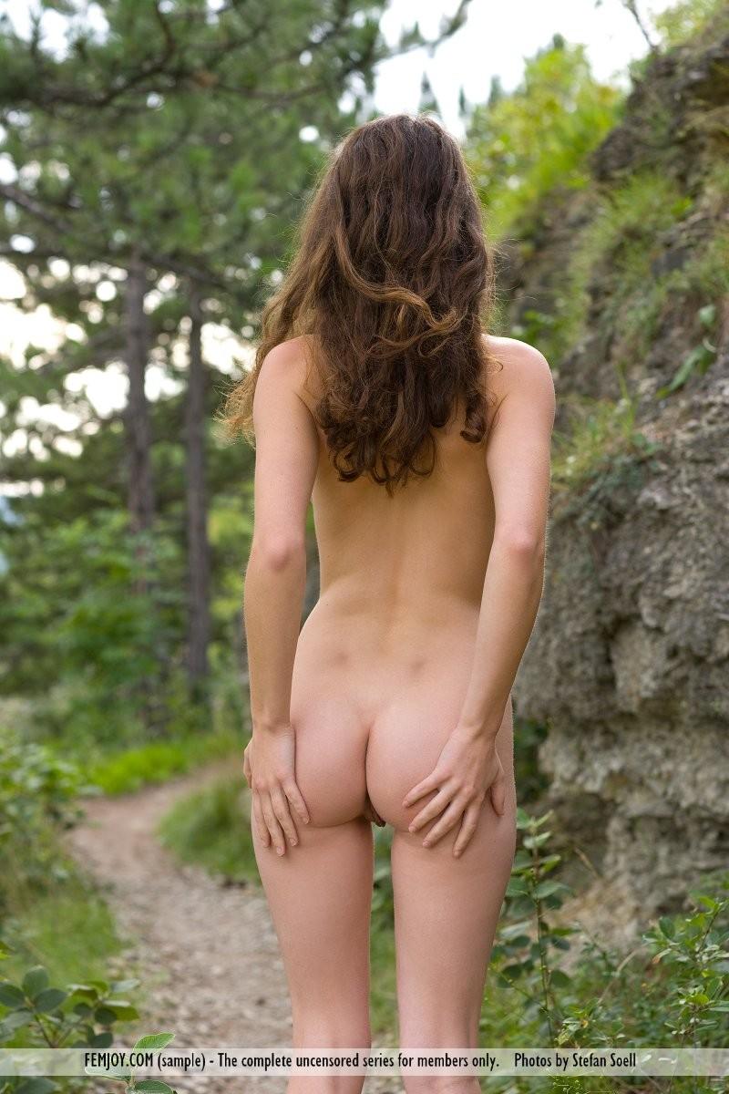 susann-woods-naked-femjoy-16