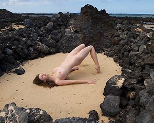 susann-volcanic-beach-naked-femjoy