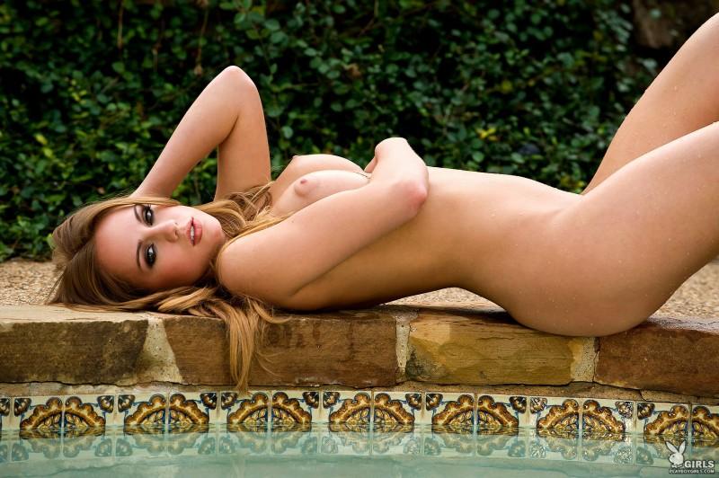 sydney-barlette-bikini-playboy-32