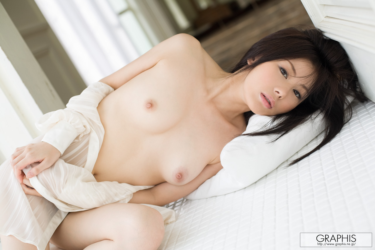 takami-hou-transparent-shirt-asian-naked-graphis-14