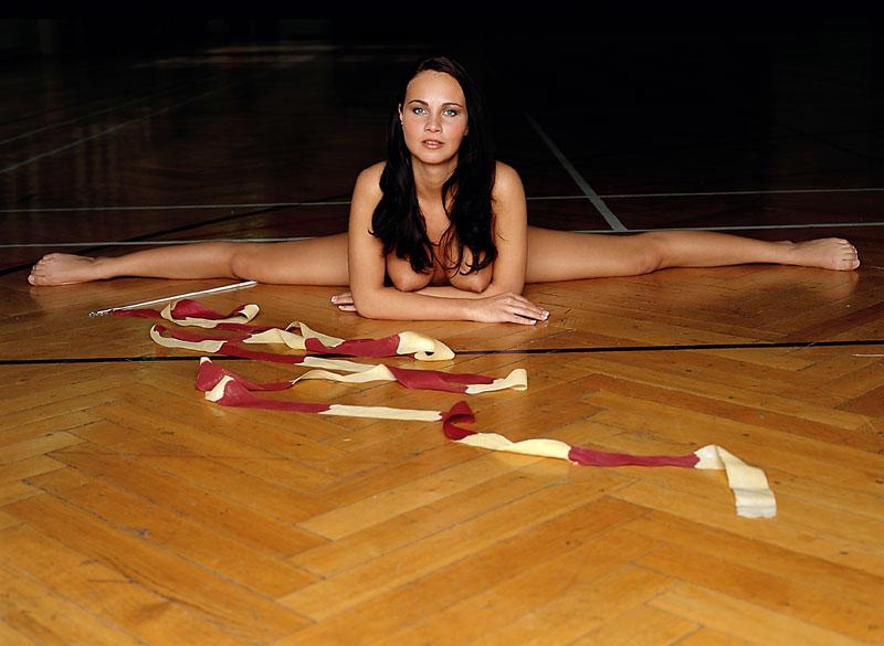 tanja-kewitsch-german-gymnast-playboy-06