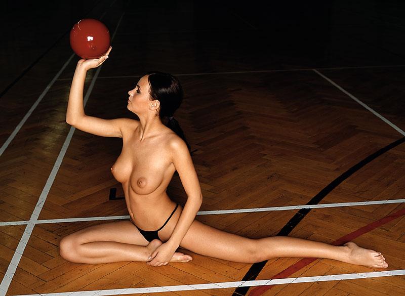 tanja-kewitsch-german-gymnast-playboy-10