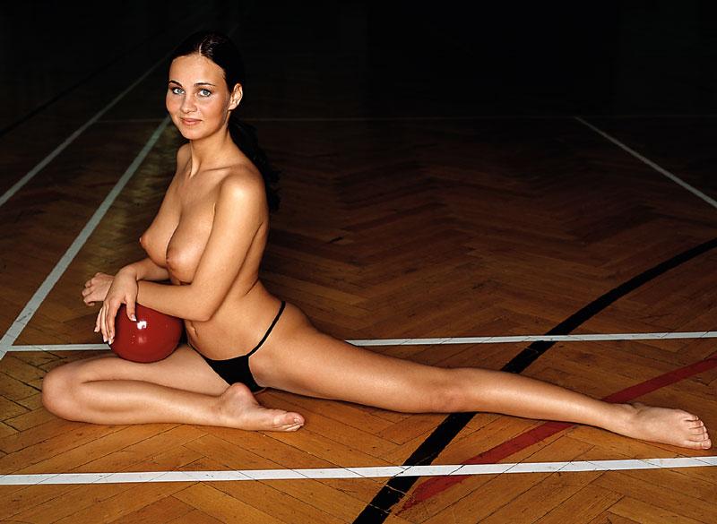 tanja-kewitsch-german-gymnast-playboy-13
