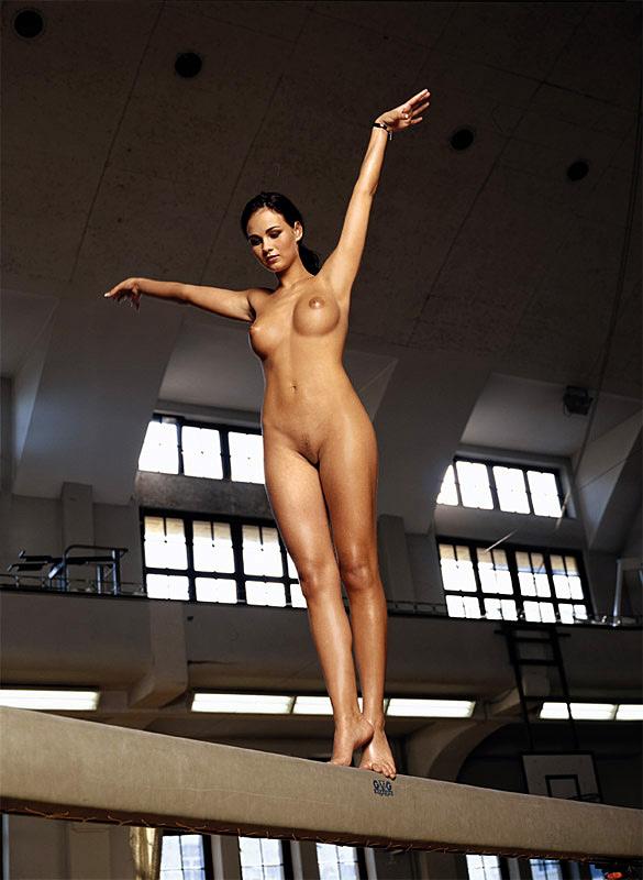 tanja-kewitsch-german-gymnast-playboy-32