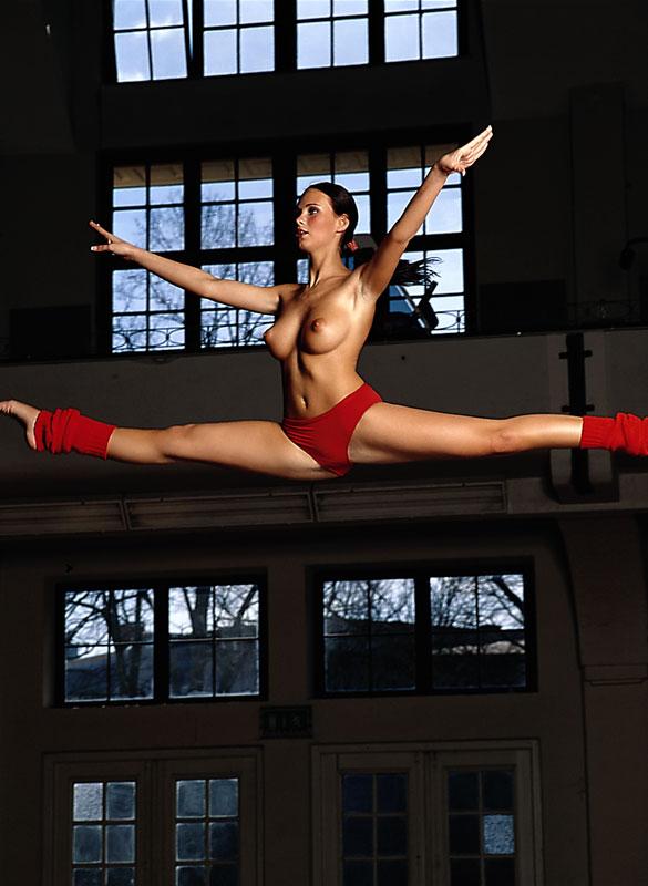 tanja-kewitsch-german-gymnast-playboy-36