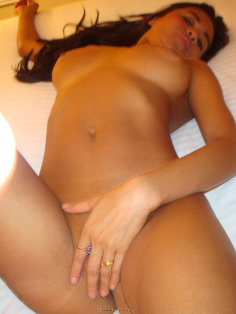 tanned-brunette-amateur-in-hotel-room-28