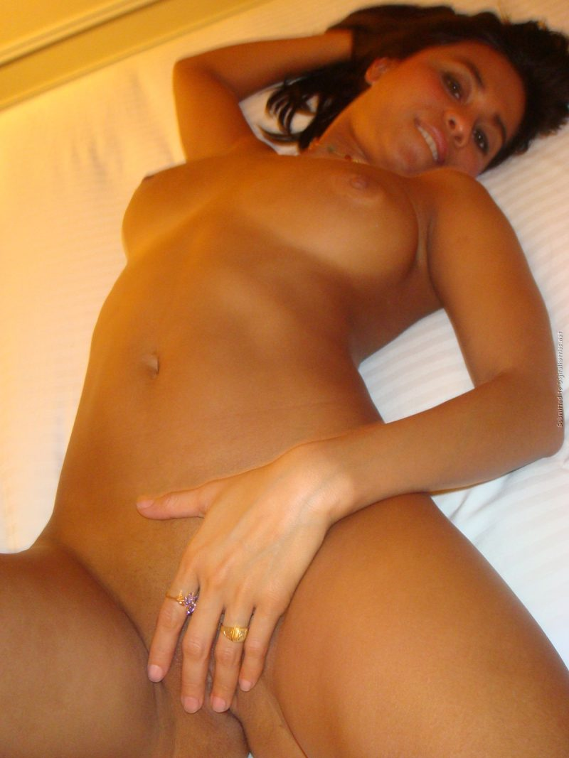 tanned-brunette-amateur-in-hotel-room-30