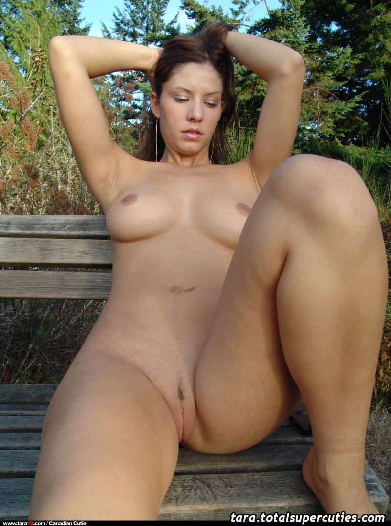 Naked tara