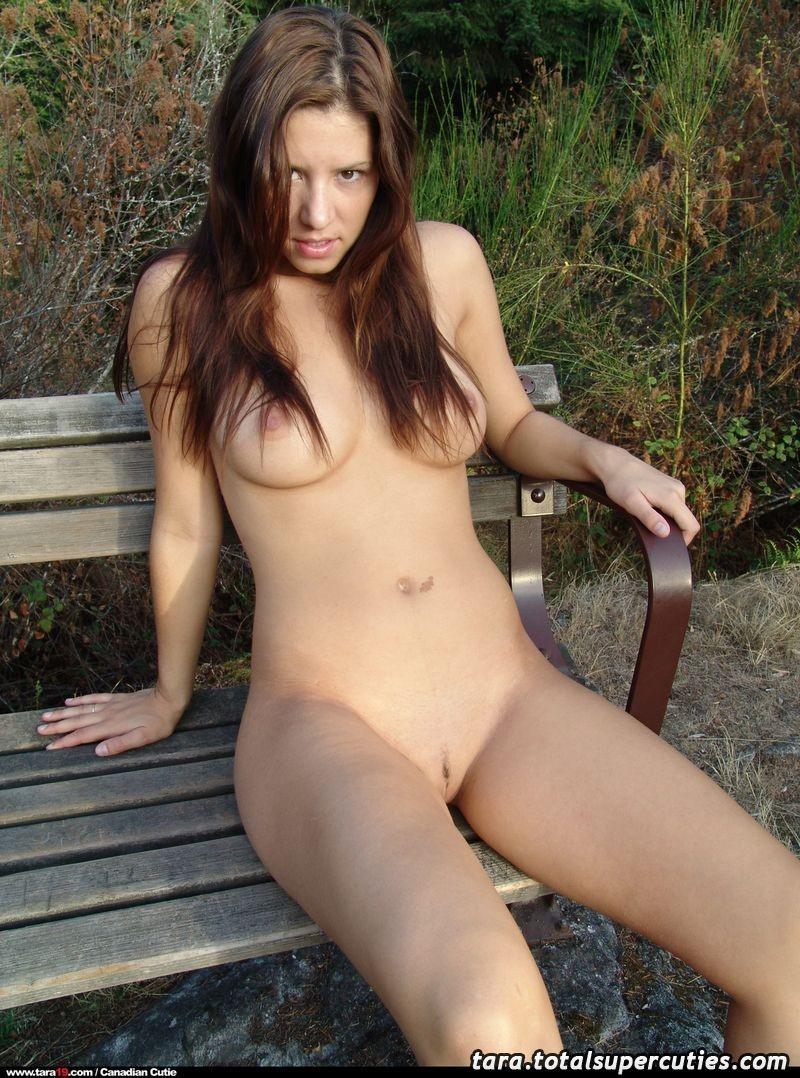 tara19-bench-outdoors-naked-22