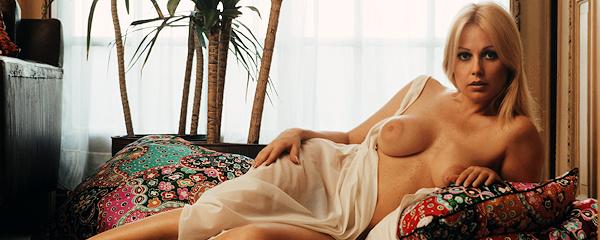 Teddi Smith – Miss July 1960