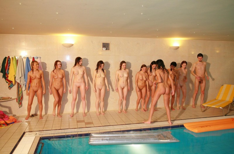 ten-girls-&-one-guy-sauna-18