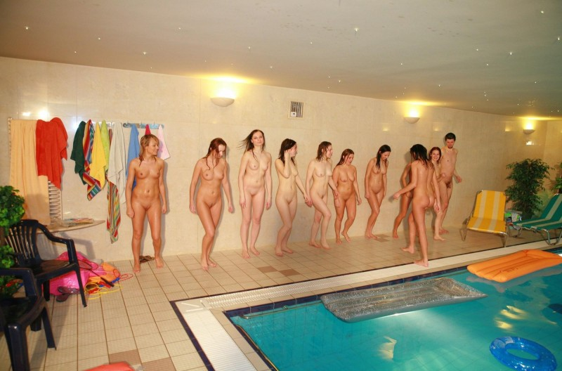 ten-girls-&-one-guy-sauna-21