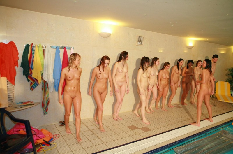 ten-girls-&-one-guy-sauna-23