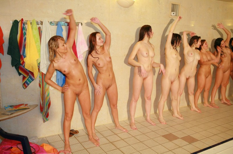 ten-girls-&-one-guy-sauna-28