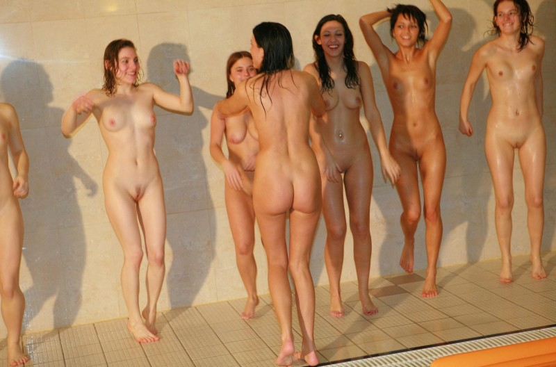 ten-girls-&-one-guy-sauna-33