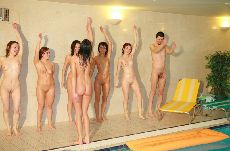ten-girls-&-one-guy-sauna-35