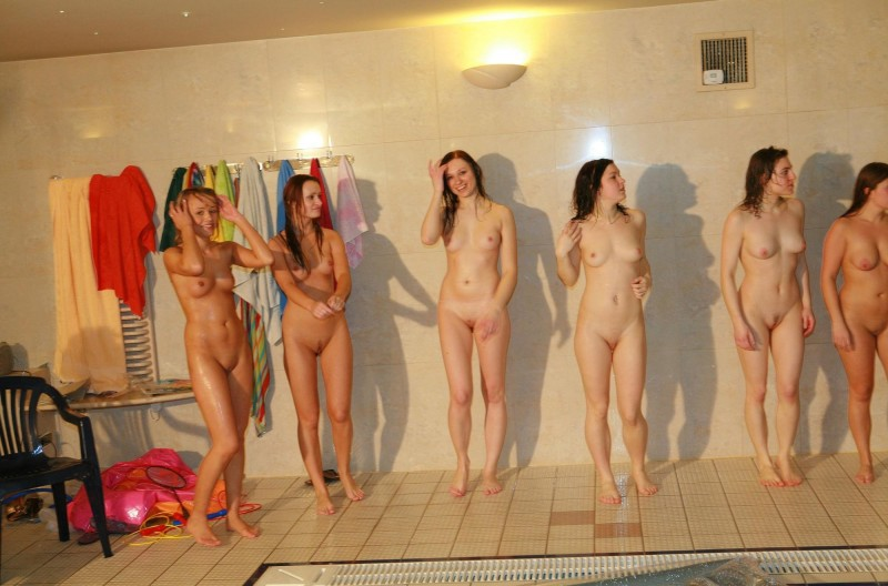 ten-girls-&-one-guy-sauna-37