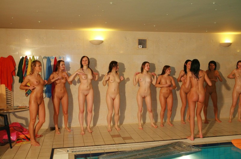 ten-girls-&-one-guy-sauna-42