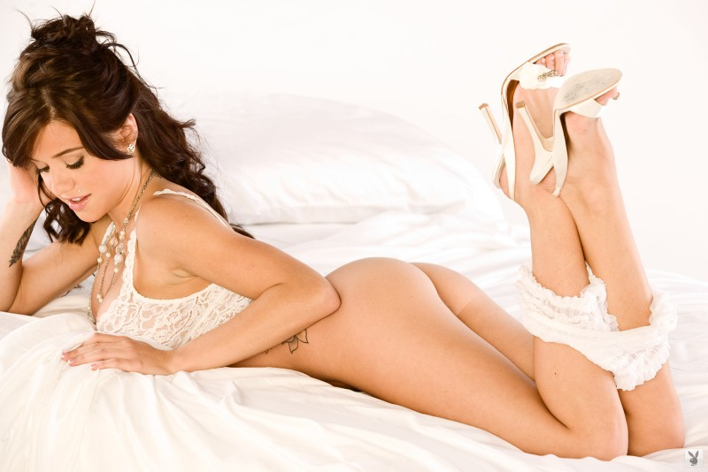 tess-taylor-arlington-white-lingerie-playboy-08