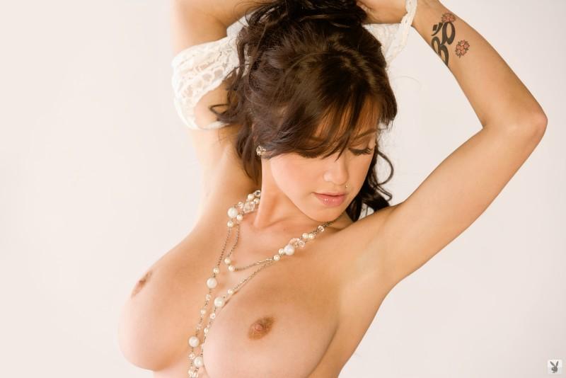 tess-taylor-arlington-white-lingerie-playboy-14