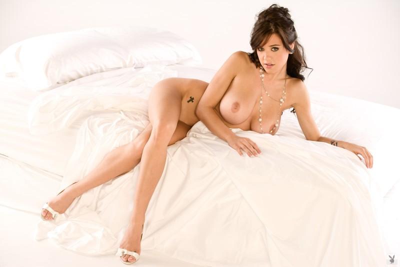 tess-taylor-arlington-white-lingerie-playboy-24