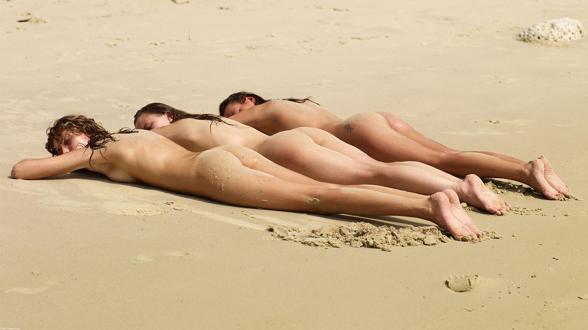 threesome-naked-girls-lesbians-mix-vol2-05