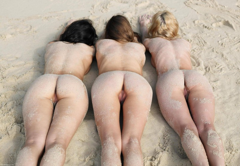 threesome-nude-babes-mix-94