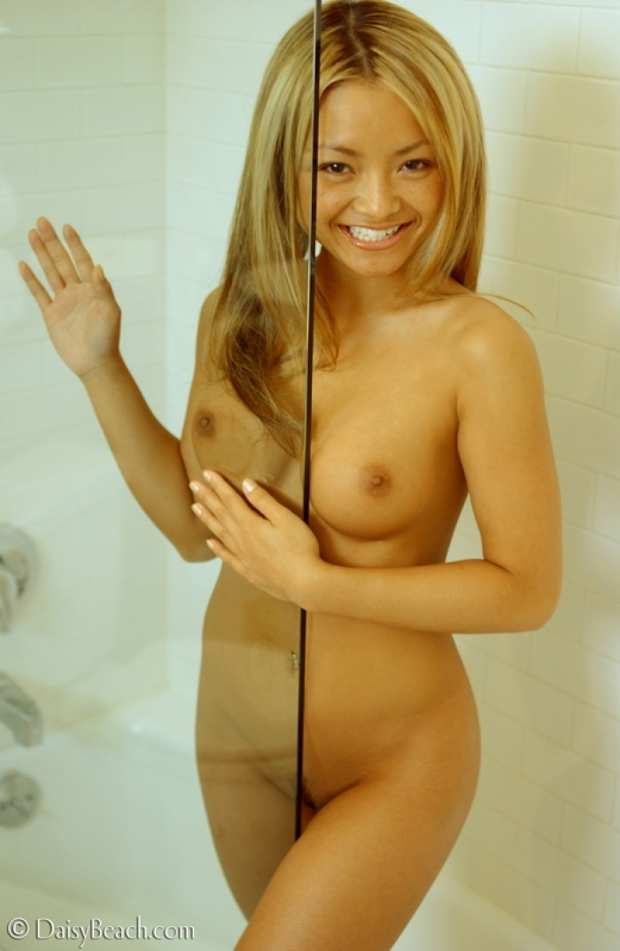 Tila tequila naked shower video