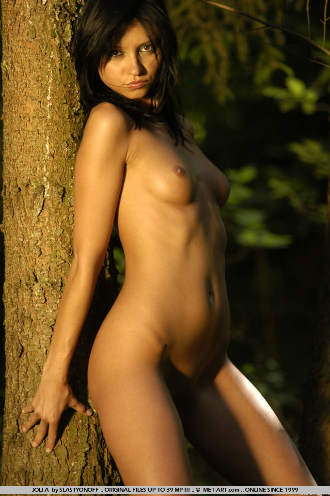 joli-a-nude-woods-metart-12