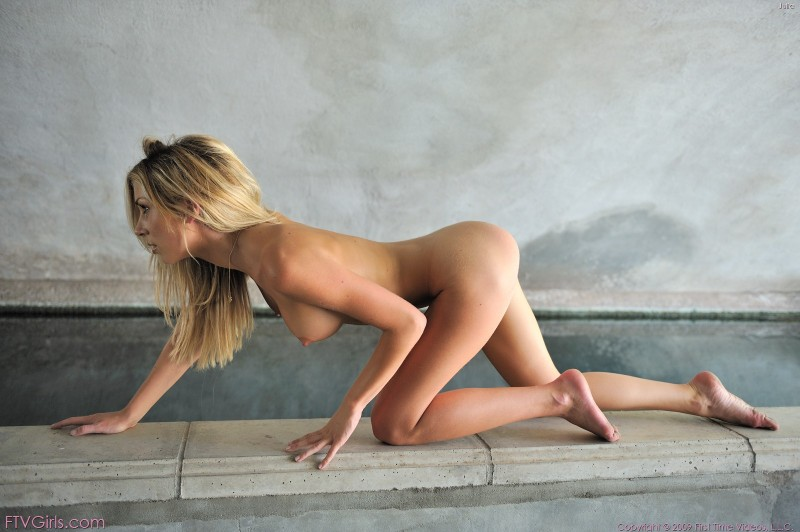 julia-tunnel-ftvgirls-13