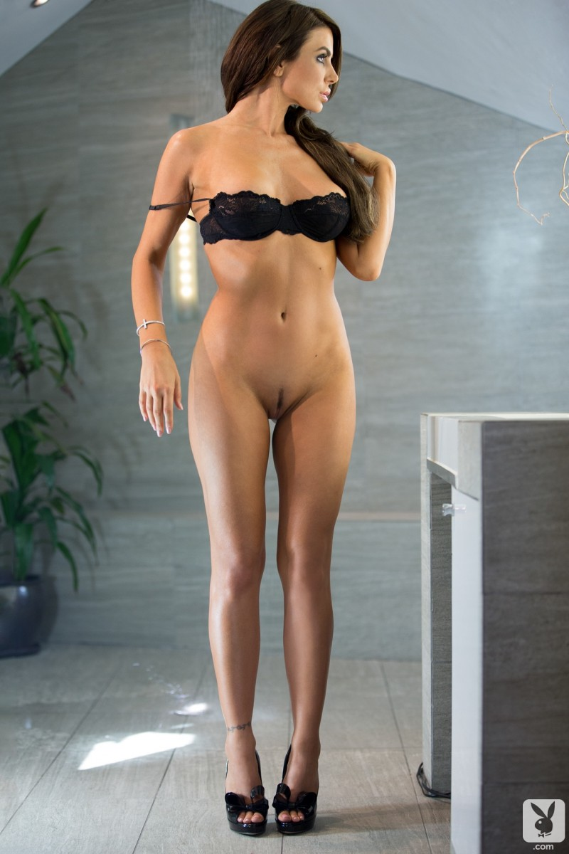 tishara-cousino-bathroom-nude-playboy-09