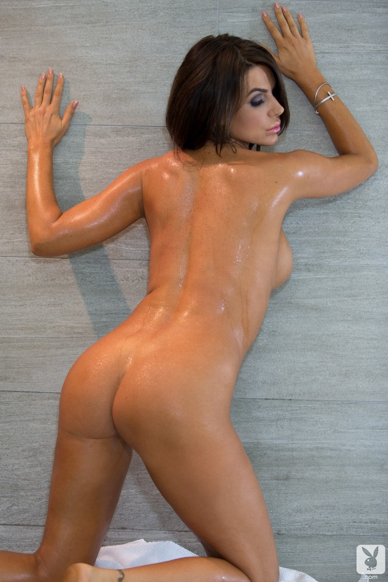 tishara-cousino-bathroom-nude-playboy-19