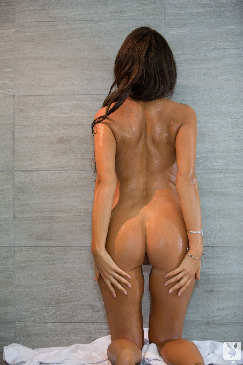 tishara-cousino-bathroom-nude-playboy-20