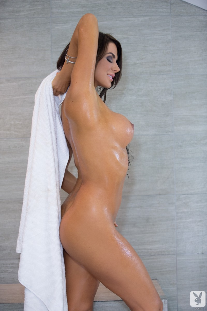 tishara-cousino-bathroom-nude-playboy-23