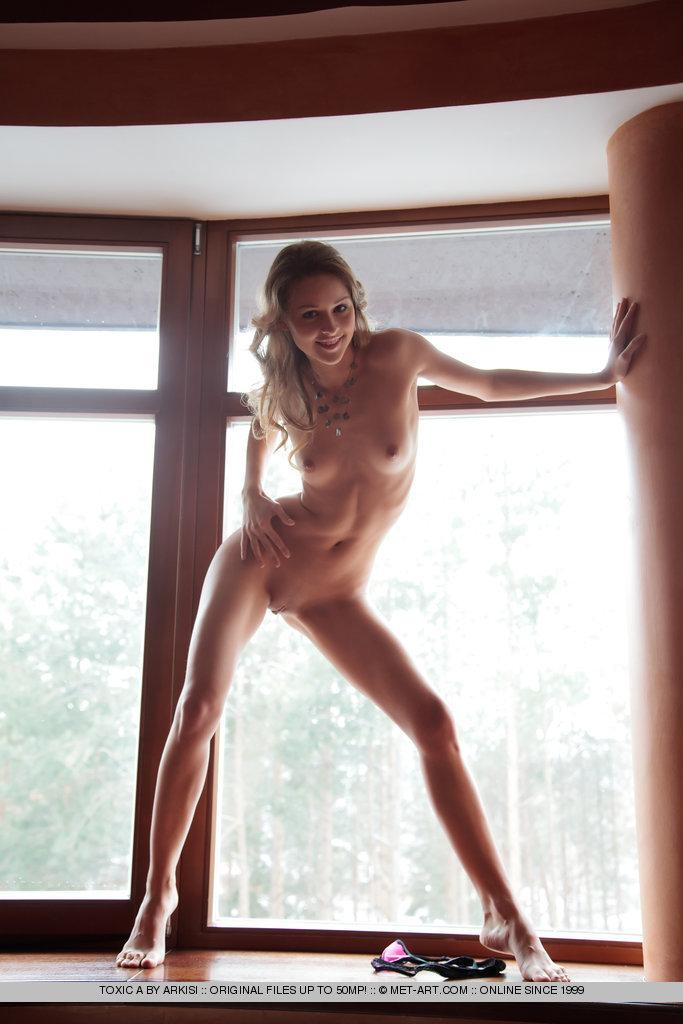 toxic-a-windowsill-naked-metart-05
