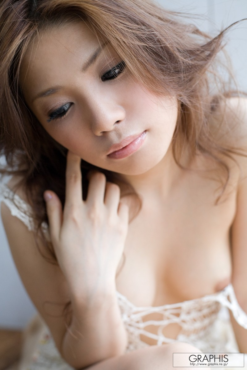 tsubasa-aihara-naked-white-dress-graphis-12