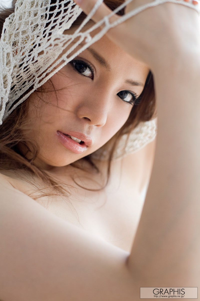 tsubasa-aihara-naked-white-dress-graphis-15