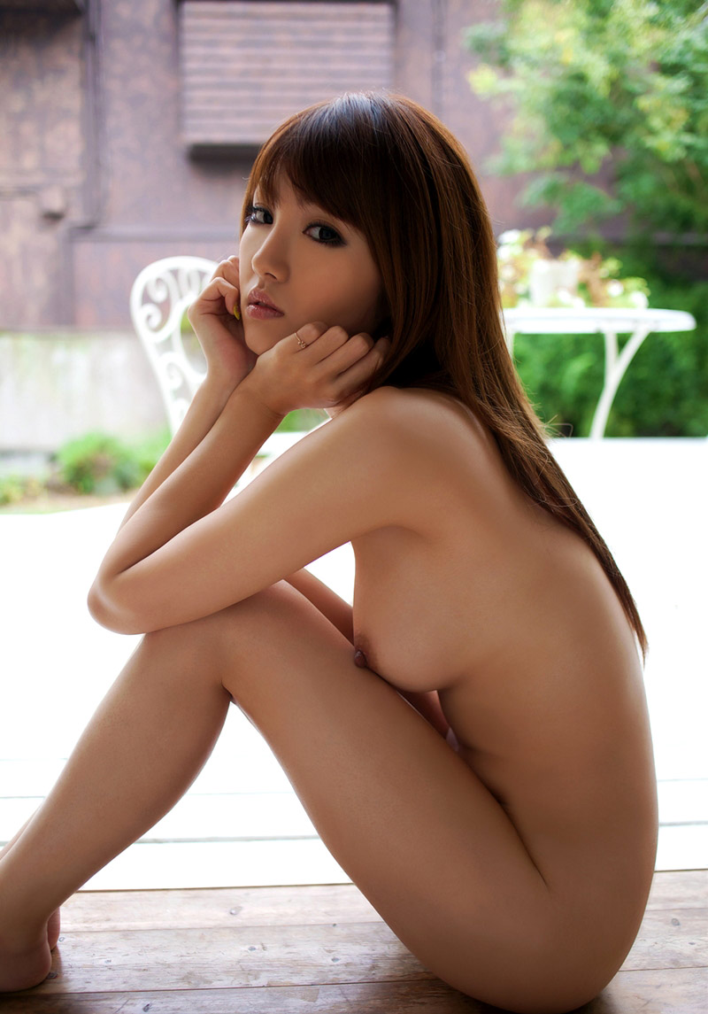 tsubasa-amami-naked-asian-girl-at-home-12