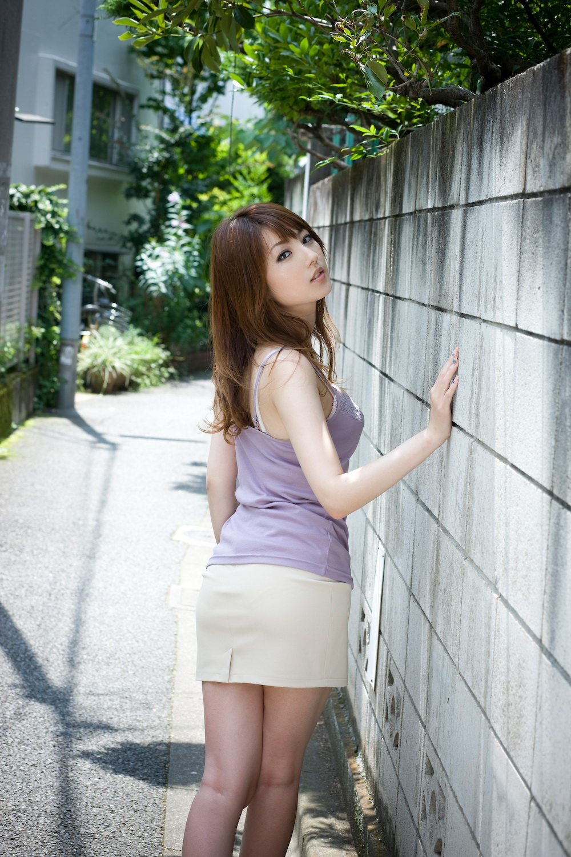 tsubasa-amami-nude-asian-on-sofa-02
