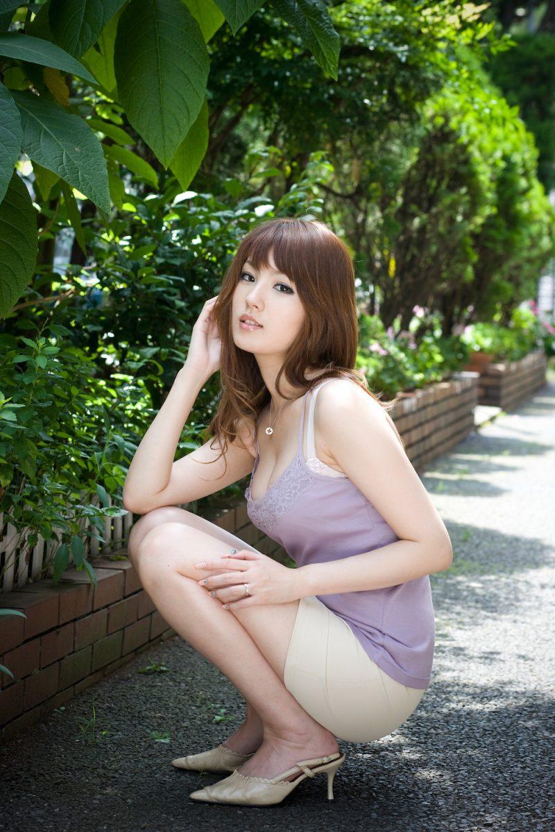 tsubasa-amami-nude-asian-on-sofa-05