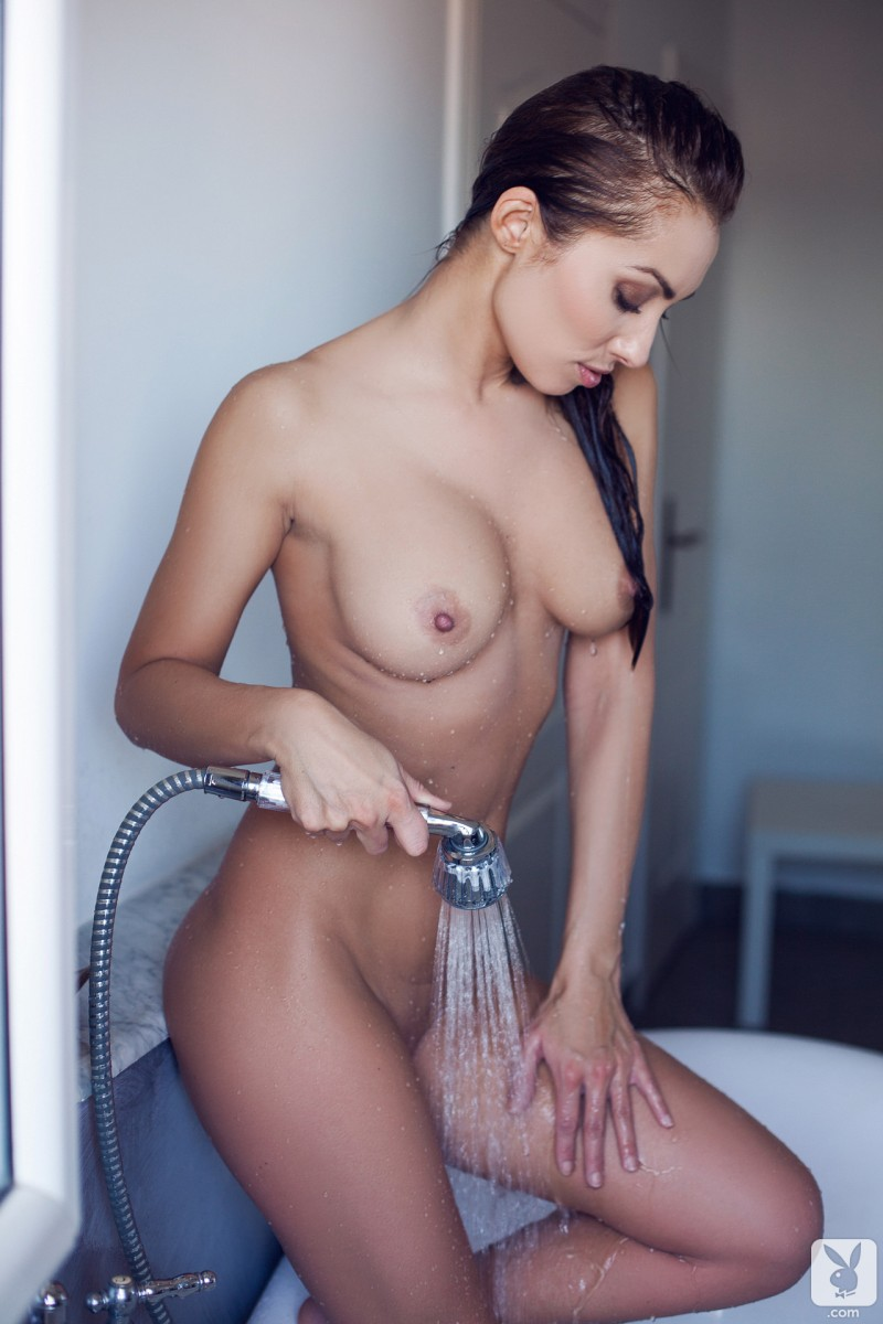 Brooke williams shows tits