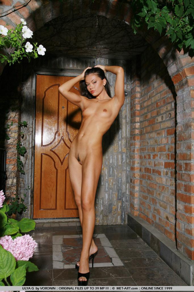 ulya-g-black-high-heels-naked-metart-05