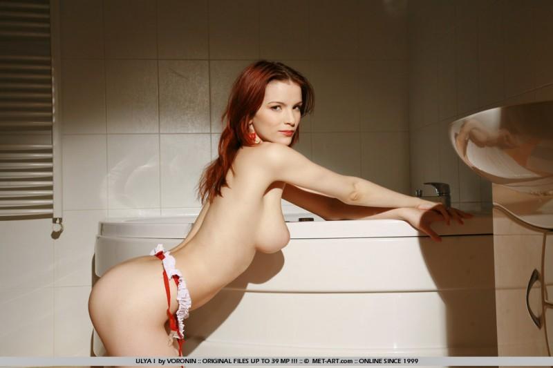 ulya-i-white-stockings-bathroom-met-art-18