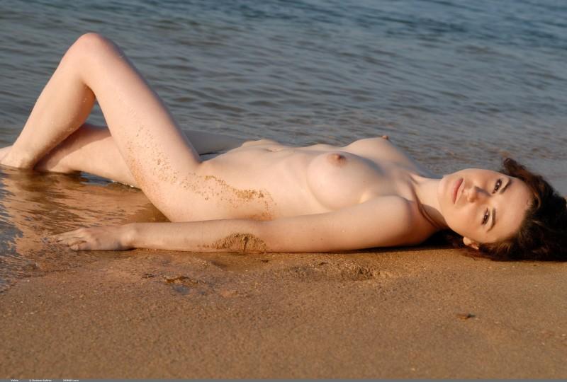 valda-seaside-naked-beach-boobs-domai-22