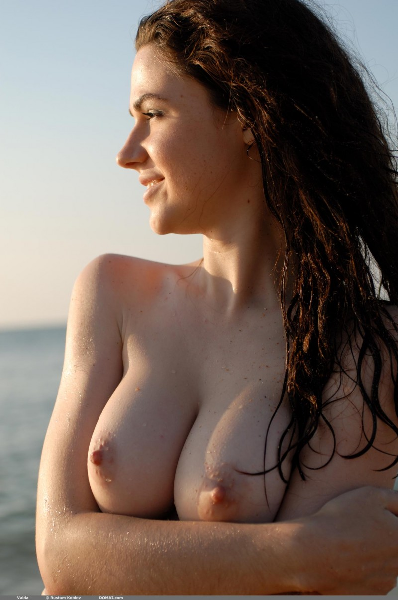 astraliangirls naked boobs pics on the beach