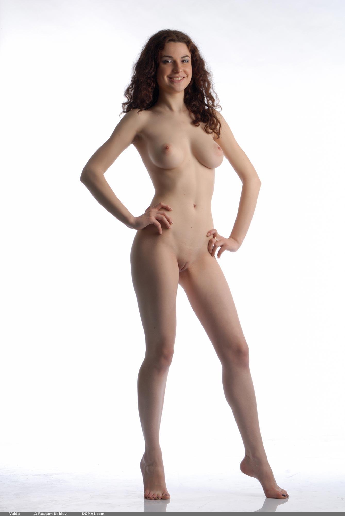 Big perky tits boobs nipples jennifer aniston Part 8
