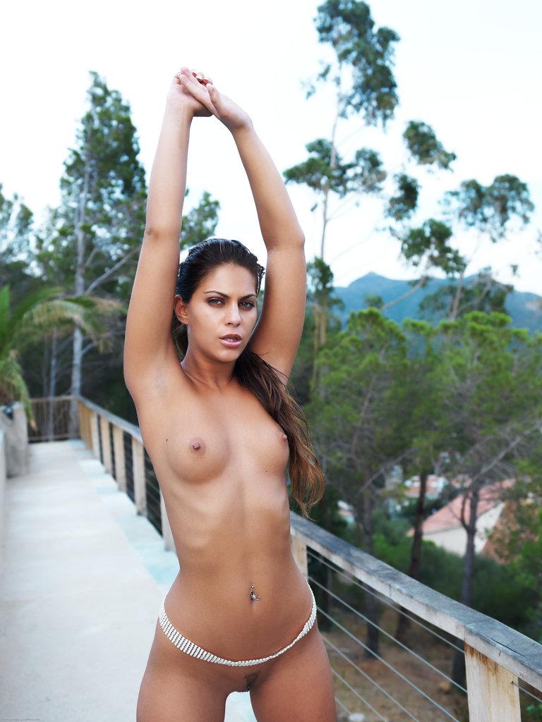valentina-rossini-balcony-nude-errotica-archives-12