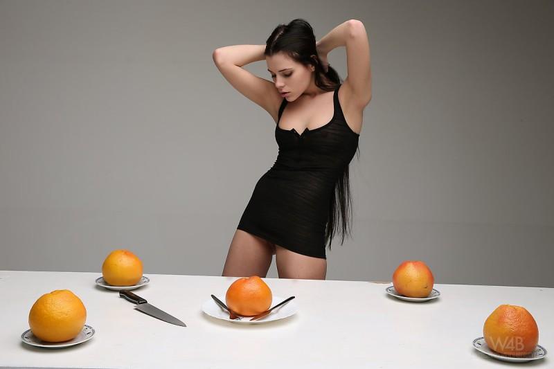 valeria-fruits-watch4beauty-02